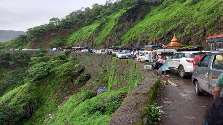 varandha Ghat crowd