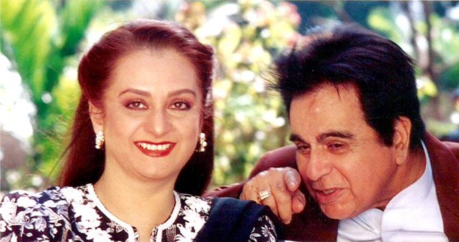 सायरा बानू,मधुबालाबरोबर आणखी एका अभिनेत्रींच्या प्रेमात होते दिलीप कुमार!