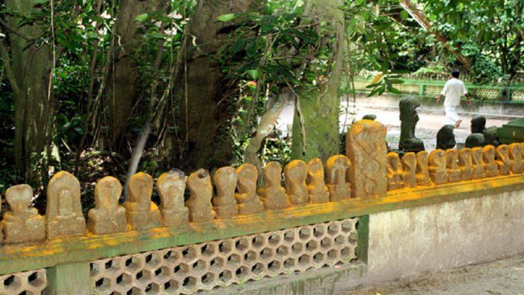 मन्नारशाला मन्नार टेम्पल : या मंदिरात आहेत नागाच्या तब्बल ३० हजार प्रतिमा