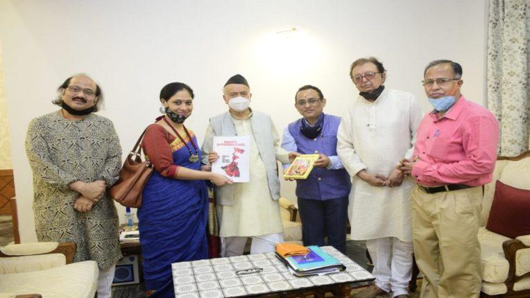 बंगालमधील हिंसाचाऱ्यांवर कठोर कारवाई करण्यासाठी 'दि व्हॉईसेस फॉर बंगाल व्हिक्टिम्स' च्या प्रतिनिधींनी राज्यपालांना दिले निवेदन