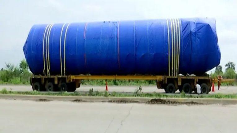 २० मीटर उंच, १२५ मेट्रिक टन साठवणूक क्षमता, लिक्विड मेडिकल ऑक्सिजन स्टोरेज जम्बो टँक नागपुरात दाखल