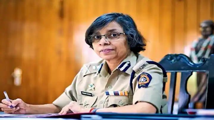 फोन टॅपिंग सरकारच्या मंजुरीनेच,आता बळीचा बकरा केलं जातंय, IPS रश्मी शुक्ला यांचा न्यायालयात गौप्यस्फोट