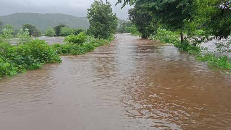 amba river bridge overflow
