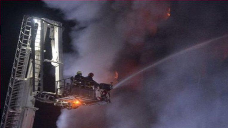 बांग्लादेशमध्ये मोठी दुर्घटना : सहा मजली इमारतीला लागली भीषण आग, ४० जणांचा मृत्यू