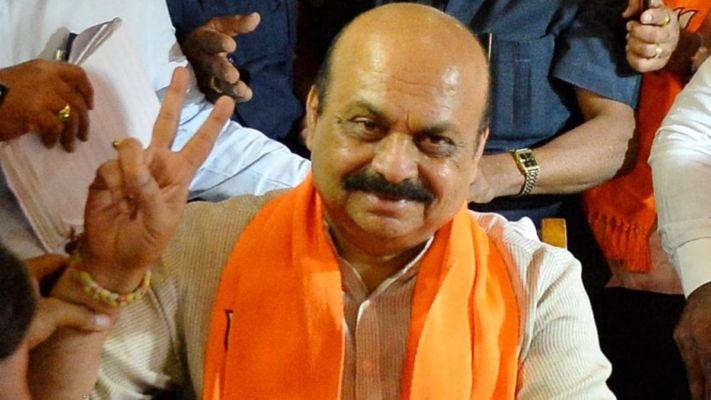कर्नाटकात राजकीय गणितं सुरु ; मुख्यमंत्री बोम्मई यांच्यासह तीन उपमुख्यमंत्री आज घेणार शपथ!