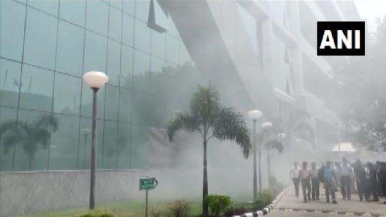 दिल्लीतील CBI मुख्यालयाला लागली आग, इमारतीमध्ये धुराचे लोट ; अग्निशमन दलाचे ५ बंब दाखल