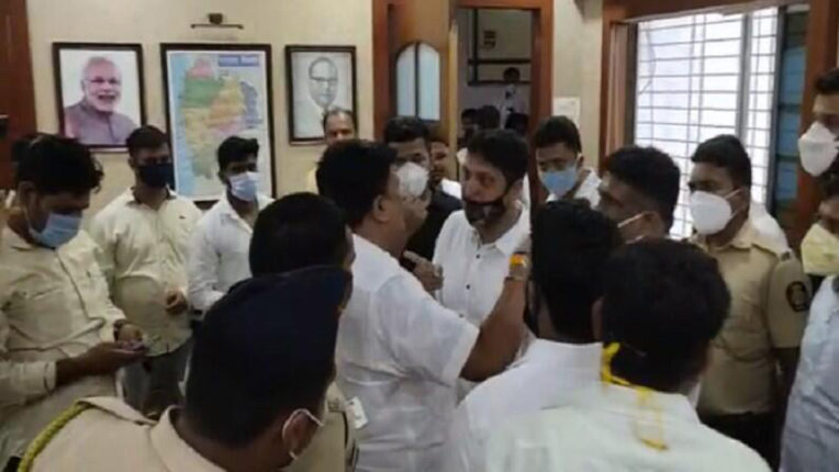 dispute in palghar collector office