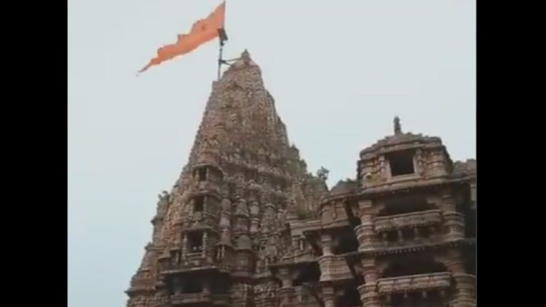 Lightning strikes Dwarkadhish temple, a famous shrine in India, and ... 160 feet flag falls directly on the temple