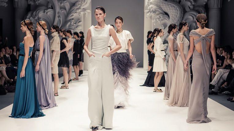 आता ऑनलाईन होणार फॅशन शो, फायदे वाचून तुम्हालाही आश्चर्य वाटेल!