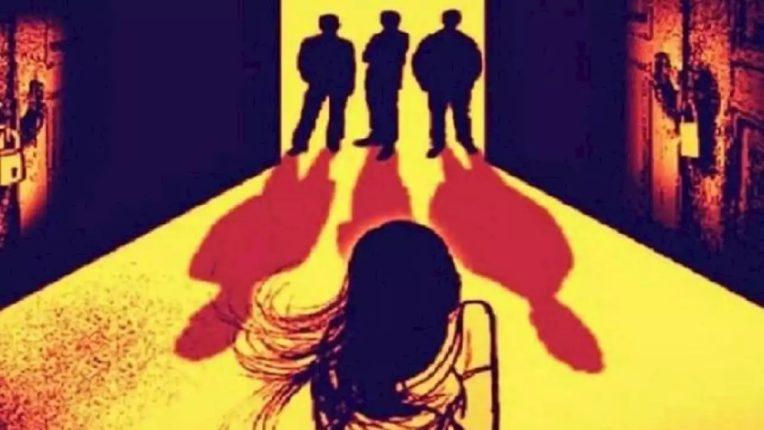 म्हैसुरमध्ये भयानक प्रकार, दरोडेखोरांकडून विद्यार्थिनीवर सामूहिक बलात्कार – प्रियकरावर दगडाने हल्ला