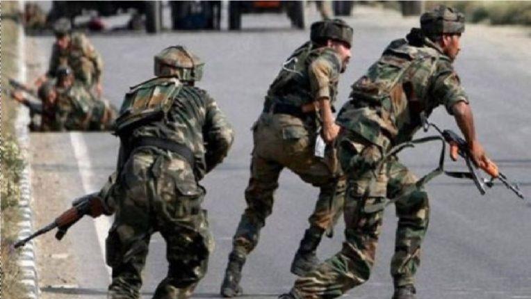 जम्मूतील राजोरीमध्ये सुरक्षा दल आणि दहशतवाद्यांमध्ये चकमक, एक जवान शहीद