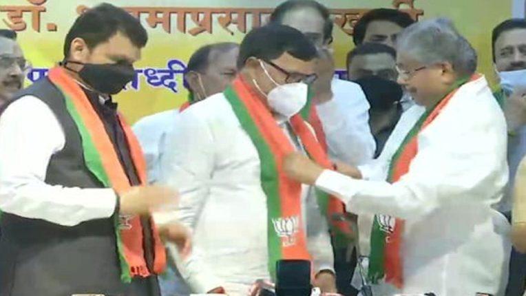 काँग्रेसला मोठा धक्का, माजी गृहराज्यमंत्री कृपाशंकर सिंहांचा भाजपात प्रवेश