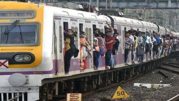 रेल्वेप्रवाशांना मोठा दिलासा, युनिव्हर्सल पासची नियमावली लागू होणार? : जाणून घ्या सविस्तर