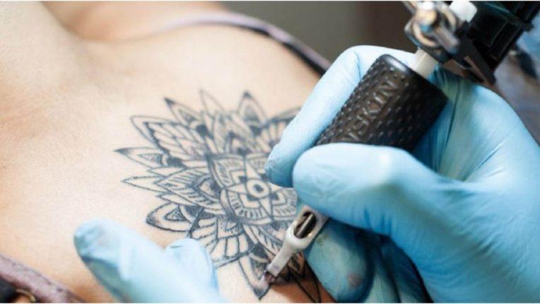 टॅटू काढायचा आहे? मग आधी 'हे' वाचा