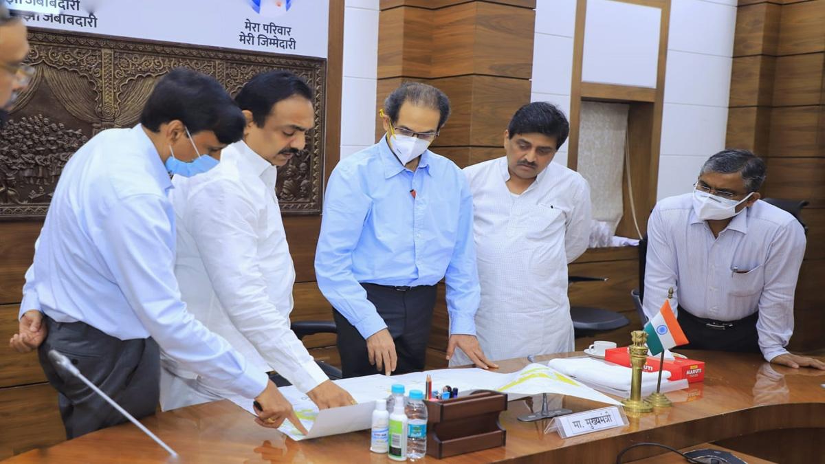 uddhav thakre in water management meeting