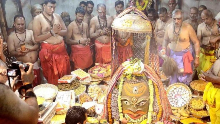 Rioting at the Mahakaleshwar temple in Ujjain; The VIP visit of the Chief Minister caused confusion