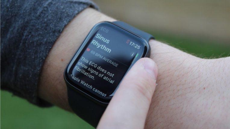 आता तुमच्या आरोग्यावर राहणार स्मार्टवॉचचा 'वॉच'