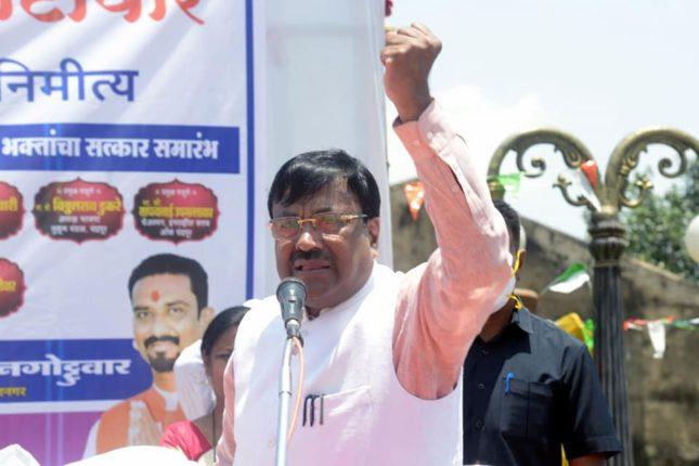 'एकनंबर मुख्यमंत्र्यांचा एकनंबर निर्णय मदिरालय सुरु पण मंदिर बंद' सुधीर मुनगंटीवार यांची सरकारवर टीका