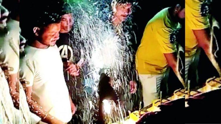 तलवारीने केक कापला; व्हिडिओ सोशल मीडियावर टाकला; मग् पोलिसांनी पकडून ठोकला