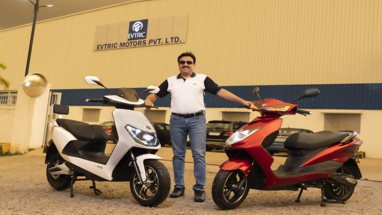 EVTRIC Motors ने 'ईव्हीट्रिक एक्सिस आणि ईव्हीट्रिक राईड' ईस्कूटर्स केल्या लाँच