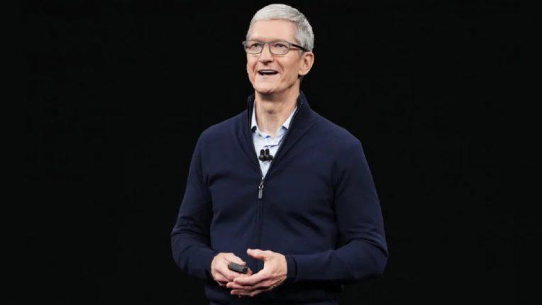 Apple चे सीईओ टिम कुक यांची कमाई ७५ कोटी डॉलर्स, दान केली एवढी रक्कम