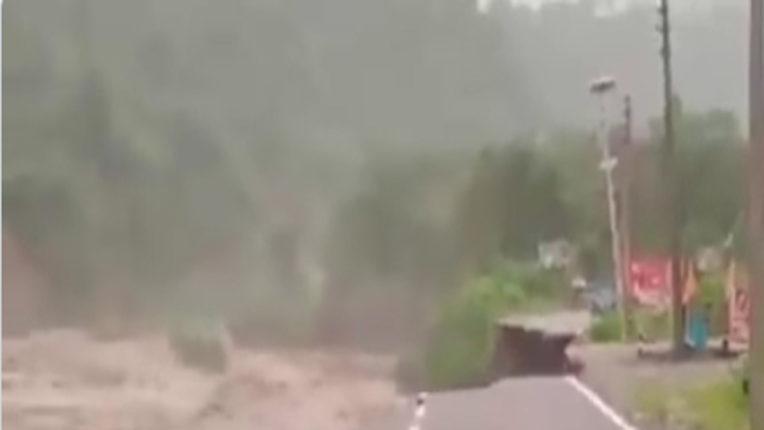 bridge collapsed at uttarakhand