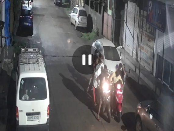 उल्हासनगरात चोरट्यानी फोडले कपड्याचे दुकान; चोरीची घटना सीसीटीव्हीत कैद