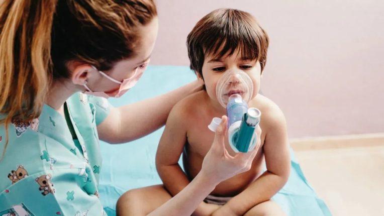 अमेरिकेतील 7.5 लाख मुले कोरोनाच्या विळख्यात; 'हेल्थ एक्सपर्ट'ने व्यक्त केली चिंता