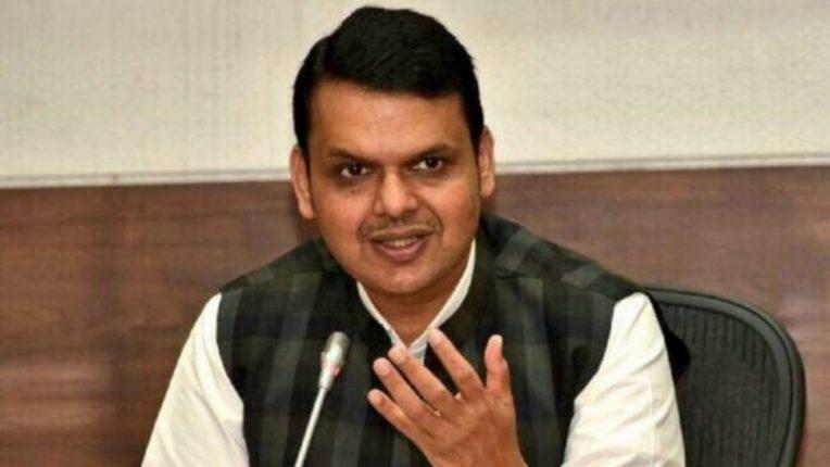 महाराष्ट्रात एखादी घटना घडली की, अन्य राज्यांकडे बोट दाखविणे असंवेदनशीलता; देवेंद्र फडणवीस गरजले
