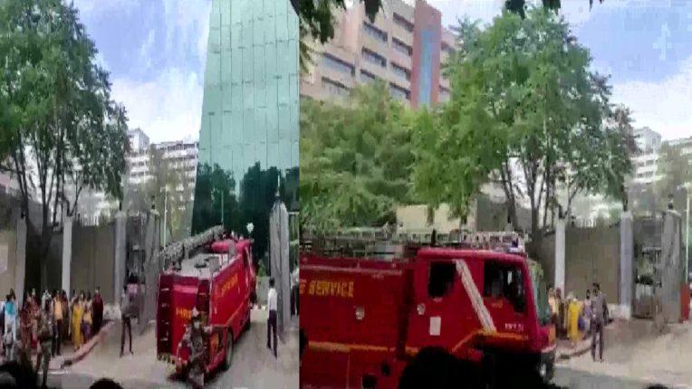 दिल्लीत सीबीआय इमारतीच्या तळघराला आग, अग्निशमन दलाच्या ८ गाड्या घटनास्थळी दाखल