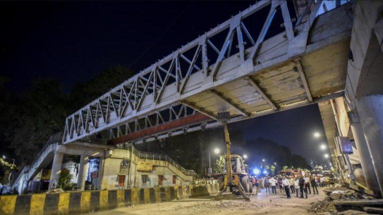 दादर, सायन, महालक्ष्मी, करी रोड रेल्वे स्थानक आणि…पुलांच्या दुरुस्ती खर्चात वाढ; २६ कोटींची योजना ३३ कोटींवर