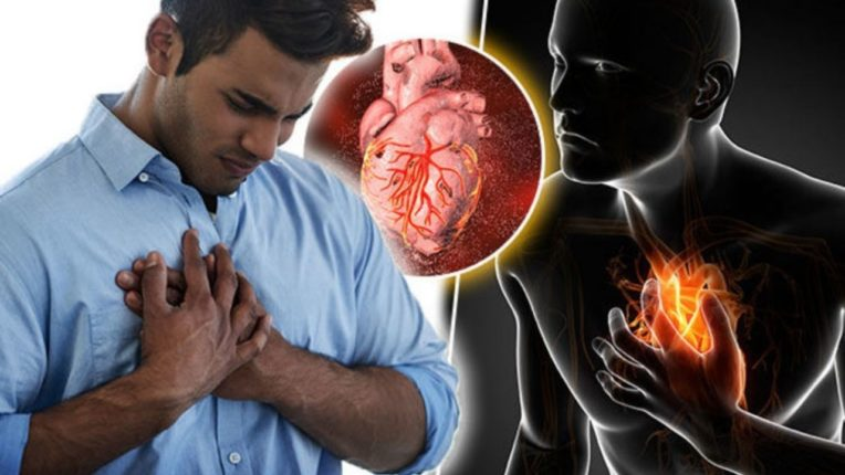 हार्ट अटॅक येणाऱ्यांना जाणवतात हे लक्षणं; तुम्हीसुद्धा हार्ट अटॅकच्या उंबरठ्यावर असू शकता!