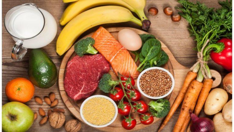 जसे फूड तसा मूड; मन आणि मेंदूच्या सजगतेसाठी घ्या 'हा' आहार
