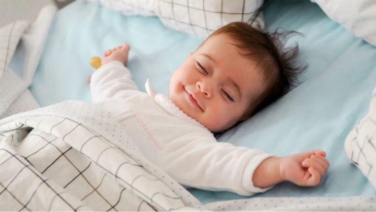 महत्वाची आहे बाळाची झोप