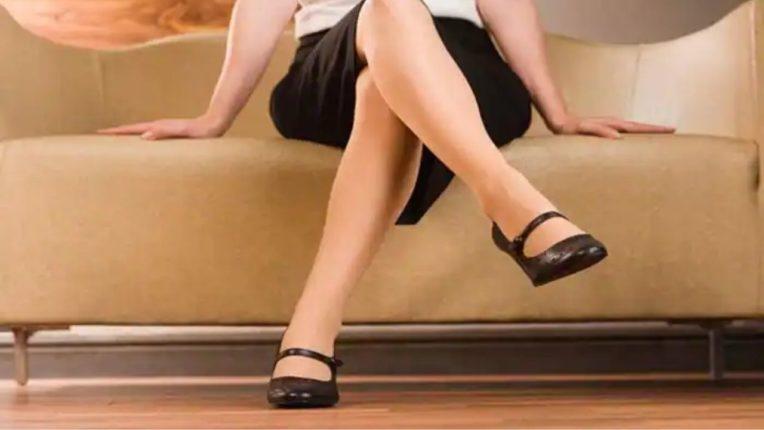 पायावर पाय टाकून बसता?; मग आधी 'हे' वाचा