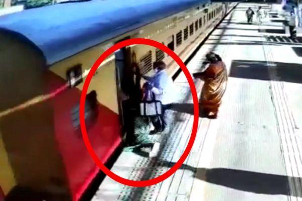 वसई रेल्वे स्थानकावरचा थरार ; मृत्यूच्या दाढेतून महिलेला वाचवलं, पहा Video