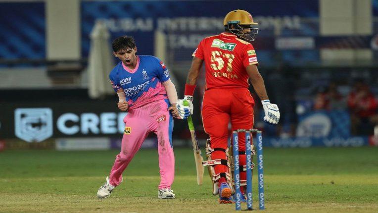 राजस्थानकडून पंजाबचा दारूण पराभव, २० वर्षाच्या कार्तिक त्यागीने शेवटच्या ४ चेंडूवर घेतली पंजाबची फिरकी; नेमकं काय झालं?