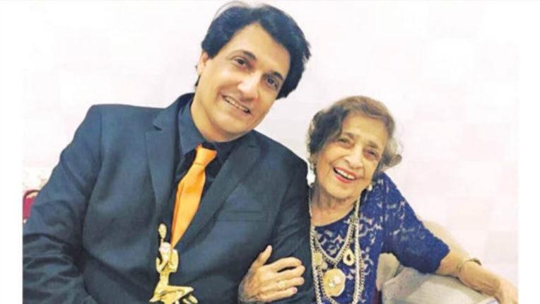 shamak dawar mother dies
