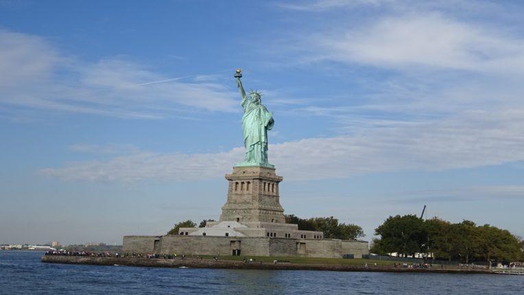 रिकॉन विधेयक : ग्रीन कार्ड्ससाठी कायदेशीर मार्गाचा समावेश; अमेरिकन नागरिकत्वाच्या आशा झाल्या पल्लवित