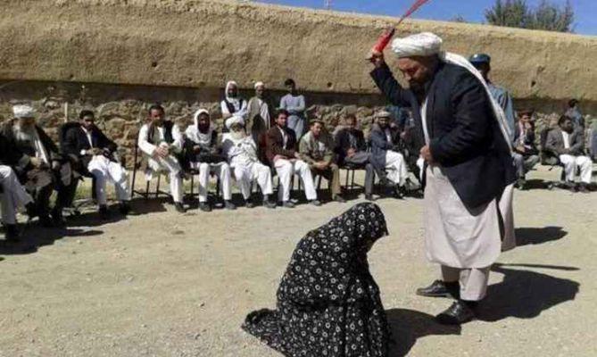 क्रूरतेचा कळस! तालिबान्यांनी गर्भवती महिलेची कुटुंबीयांसमोरच केली हत्या