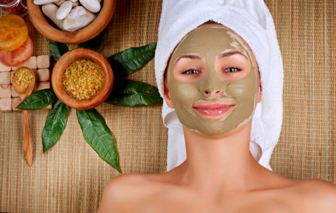 Beauty Tips - Expensive Beauty Parlor Treatment In Front Of Multani Clay Face Pack Will Fail