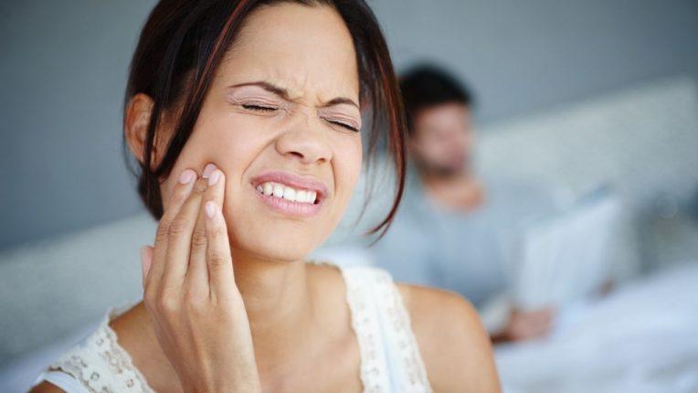 दातदुखीवर करा घरगुती उपाय