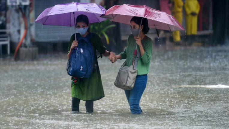 आज आणि उद्या मुसळधार पाऊस कोसळणार; हवामान खात्याने वर्तविला अंदाज